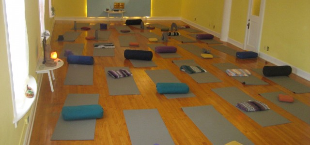 Welcome to The Living Yoga Center
